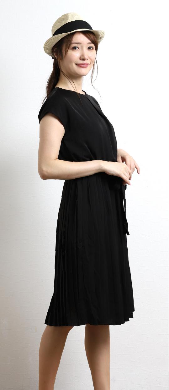01 サテン布帛 半袖プリーツワンピース